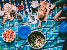 Food at a picnic, what happens at British picnics