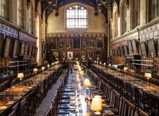 The feature image of our guide to Oxford shows the Christ Church in Oxford.