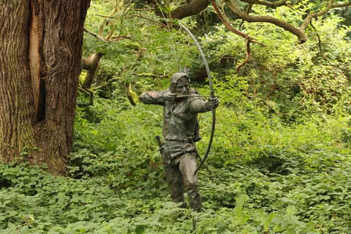 A Robin Hood statue in Nottinghamshire. The story of Robin Hood might be one of the things you may not know about the UK.
